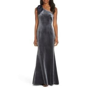 Eliza J Bow One-Shoulder Velvet Gown Size 10 $198